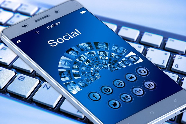 social media online marketing strategie